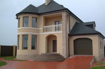 Красивый саманный дом