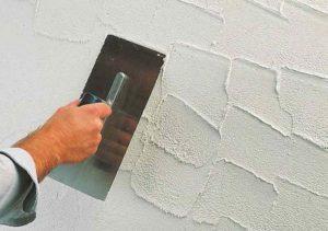 Как наносить шпаклевку на стены