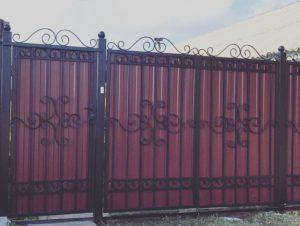 Профнастил для создания ворот