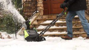 Мощность электродвигателя снегоуборщика