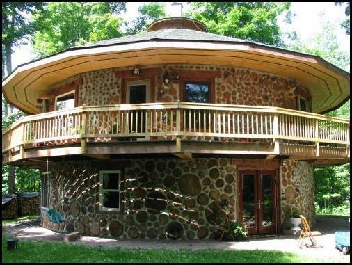 Дачный домик из дров